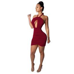 2019 cintura snella più sottile Summer Fashion Halter Neck irregolare Cintura Dress Chest Sexy Hollow Slim pacchetto Hip Dress Party Club Abiti NB-969 sconti cintura snella più sottile