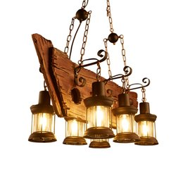 Decoración de madera del arte online-2019 nuevo Lustre de madera maciza Araña vintage Lustre de suspensión Suspensión Café Dormitorio Iluminación Hierro + Lámpara de madera para decoración de loft