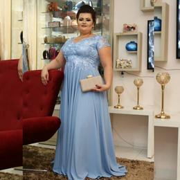 vestito dal merletto blu dalla navy della madre della madre Sconti Plus Size Sky Madre Light Blue dei vestiti dalla sposa 2020 manica corta gioiello chiffon pizzo sweep treno Abiti Donne Invitato a un matrimonio di sera