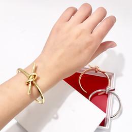 Bracelet de torsion d'or en Ligne-Mode Vintage Or métal grossier linéaire noeud Noeud Bracelet Bracelets pour femmes Simple Twist Manchette Ouvrir amour Bracelets pour Costume Bijoux Indien 2019