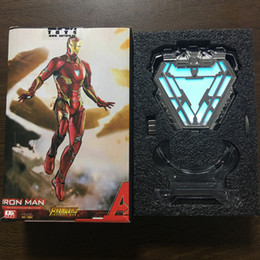 Reattore ad arco dell'uomo di ferro online-Scala 1: 1 Iron Man Mark 50 MK50 Nano Suit Armor Arc Reactor LED Light Action Figure Collection Model Toy Include Display Stand