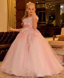 Бальное платье с драгоценными камнями с лентой ручной работы Розовое красивое свадебное платье Платье для девочки-цветка от