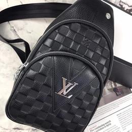 Canada Classique de la mode homme femmes en cuir simple sac à bandoulière poitrine pack célèbre marque sacs à bandoulière sac à dos supplier men leather chest pack Offre