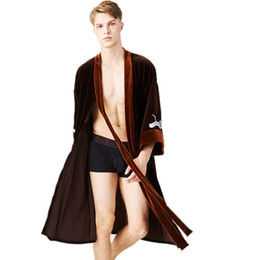 Autumn Winter Velvet Robe Gown Mens Women Pajamas Kimono Long-sleeved Soft  Bathrobe Couple Lovers Nightgown Bath Robe ff81c6bc1