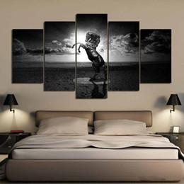 pferd malerei schwarz weiß Rabatt 5 Stücke Schwarz Und Weiß Fariy Horse Poster Und Drucke Wohnkultur Wandkunst Bild Leinwand Malerei Cuadros Decocation Kein Rahmen