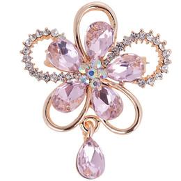 Venta directa de fábrica Diseños surtidos Crystal Pequeña flor linda Bejeweled broche para mujer o ramos de boda DIY Pins desde fabricantes