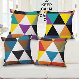 Patrón de almohada triángulo online-Almohada concisa del nuevo amortiguador de la geometría del triángulo del patrón