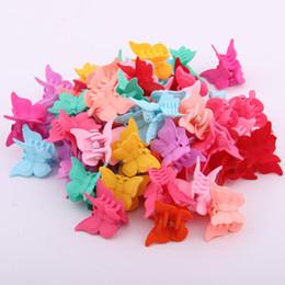 Аксессуары для волос Мини Когти Волос Для Ребенка Разноцветные Пластиковые Зажимы Бабочка Дизайн Зажимы Для Волос Для Детей от