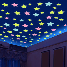 Pegatina de techo online-100 unids / set Decoraciones de Pared Juguetes luminosa estrella parche de luz etiqueta fluorescente Habitación 3D tridimensional pegatinas de pared dormitorio techo estrella