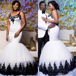 Sirene trompete vestido de casamento branco preto on-line-Vintage Preto e Branco Sereia Vestidos De Casamento 2019 Tradição Sul Afircan Nigeriano Castelo Trompete Jardim De Noiva Vestido De Noiva 28