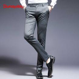 2019 calças pinstripe 2019 Novos Homens de Moda Casual Calças de Negócios de Escritório Casual Calças Homens Pinstripe Stretch Plissado Fino Terno dos homens Calças calças pinstripe barato