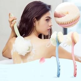 2019 spazzola di pulizia del bagno a lunga durata Massaggio della pelle Indietro Spazzola per lo sfregamento Accessori per il bagno 2 in 1 Manico lungo Bagno Pennello Bagno Fiore Doccia Indietro Bagno Fiore DH0777 spazzola di pulizia del bagno a lunga durata economici