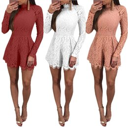 Barato Sexy Lady S Bodysuit-Mulheres Sexy Backless Slim Playsuit Short Party Jumpsuit Casual Ladies Hollow Out Rompers Bodysuit de renda de manga comprida