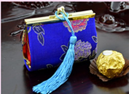 $enCountryForm.capitalKeyWord Australia - Novelty Tassel Small Party Favor Candy Boxes Decorative Iron clamp Silk Printed Coin Purse 30pcs lot mix color Free shipping