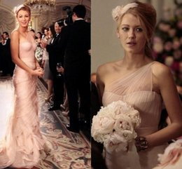 Barato Um Ombro Vestido De Noiva Rosa-Gossip Girl Serena 2018 Sexy Blush Pink Mermaid Vestidos de noiva One Shoulder Sweep Train Ruffles Chiffon Vestidos de noiva Custom Made