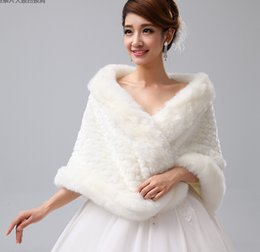 $enCountryForm.capitalKeyWord NZ - Spring Winter Shrug Bolero Women Wraps Jacket Warm Bridal Wraps Short White Soft Full Faux Fur Bridal Shawl With Scale Pattern For Prom
