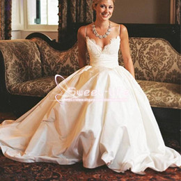 Online Shopping Modest A Line Wedding Dresses Spaghetti Straps Vintage Lace Appliques With Pockets Chapel Train