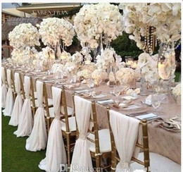 Silla de boda de gasa blanca simple pero elegante Cubierta y fajas Fiesta nupcial romántica Silla para banquete Atrás en venta