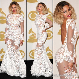 Barato Mangas Laço Nude Vestido-Beyonce Grammy Awards Lace Sheer Celebrity Dresses 2017 de manga comprida Backless Mermaid Evening Dresses Women Pageant Vestidos Prom Dresses BO6050