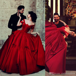 Discount sexy red dance dresses - Vintage Satin Saudi Arabic Off Shoulder Ball Gown Prom Dresses Princess Dancing Wear Women Party Wedding Gowns wd11