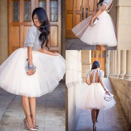 Barato Baile Branco Barato-2016 Comprimento do joelho White Tulle Tutu saias para adultos Custom Made A-line Ball Gown Cheap Party Prom Petticoat Underskirts Women Clothing