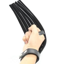 Barato Palha Fetiche De Brinquedo Sexual-2016 New Arrival Black Faux Leather Spanking Paddle Lash Flogger Adulto BDSM Games Whip Fetish Fantasy Estimulação corporal Sex Toys para Casais