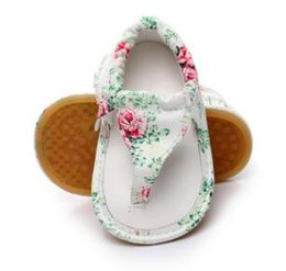 $enCountryForm.capitalKeyWord Canada - Hot sale Pu leather 2017 new fashion floral designs Baby moccasins child Summer Girls Boys sandals hard rubber sole baby shoes