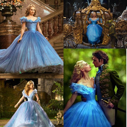 Images Romatic Pas Cher-Cendrillon Quinceanera Robes Nouveau Romatic Sky Blue Off Shoulder Floral Long Organza Formal Ball Gown Prom Cosplay Dress
