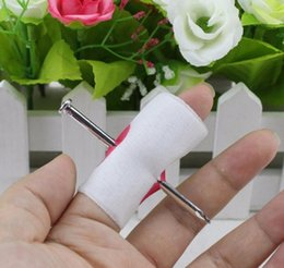 Toy Nail Through Canada - 2017 New Novelty Manmade Nail Through Finger April Fool Trick Toy Gags Practical Jokes one piece