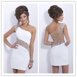 Vente en gros 2019 cristaux élégants robes de cocktail blanches une épaule courte transparente Retour bal robes de bal sexy voir à travers le dos robe de soirée