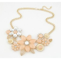 $enCountryForm.capitalKeyWord NZ - 2016 Top Fashion Trendy Power Necklaces Women Resin Collares Mujer New Fashionable Bright Flower Necklace Charm And Pendant Gift