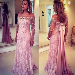 Barato Fita Do Vestido De Noite-2015 A Line Evening Dresses Off Shoulder Lace sobre Tulle Sheer Illusion Manga comprida com arco Ribbons Floor Length Ocasião Vestidos