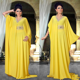 Discount nigerian coral beads - 2018 Cheap Arabic Nigerian Middle East Abaya Celebrity Dresses Beads Collar Sashes Pleasts Party Formal Evening Prom Gow