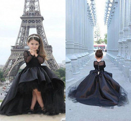 Robe Filles Chaudes Pas Cher-Hot Selling Ball Gown Flower Girl Robes Sheer Crew Neck Long Sleeve Covered Button Haut Bas Puffy Tulle Formal Girl's Pageant Gowns