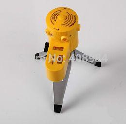 Venta al por mayor de Multifunción láser nivel línea vertical línea horizontal nivelador herramienta láser láser nivelador LED con trípode de rotación herramienta