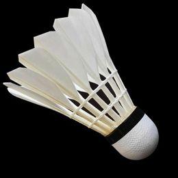 Heißer Verkauf Badminton Shuttlecock Widerstand Schaum Kopf Badminton Shuttlecock Hochwertige Spielbälle 12 Stücke 1 Dutzend Freies Verschiffen