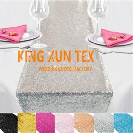 Vente en gros Prix de gros Sequin Table Runner Fit sur la nappe pour la décoration de l'événement de mariage gratuit à la porte d'expédition