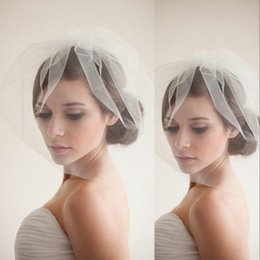 Colmillos Blancos De La Boda Baratos-Nuevo diseñador Popular Birdcage Veils Face Short White Wedding AccessoriCheap Simple Elaborated Netting Velos de novia con volantes Blusher Veils