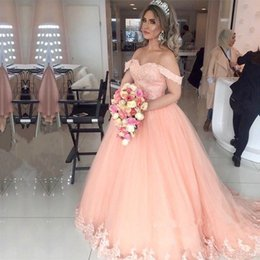 Barato Penteado Vestido De Baile Elegante-Elegant Off Shoulders Peach Ball Gown Prom Dresses 2017 Lace Appliques Tulle Sweet 16 Meninas Vestidos Princess Pageant Vestidos Customizados