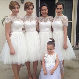 Short Bride Tulle Dress Canada - Knee Length White Tulle Bridesmaid Dresses 2015 Lace Short Wedding Party Dress Short Sleeves Bridesmaids Dresses Honor of Bride Dress Cheap