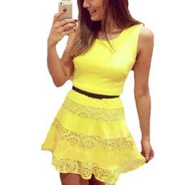 Robes Décontractées Pour Dames Jaune Pas Cher-Nouveau 2015 Été Femmes Sexy Fashion Celebrity Midi Dress Ladies Yellow A-ligne sans manches Polyester Lace Casual Dress Vestidos pour $ tra 18Personne