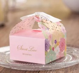 Bonbon De Mariage De Style Européen Pas Cher-100pcs de style européen Fournitures de mariage Rubans inclus Carton Candy Boxs 2015 nouveau Hollow out fleur Laser Cut Wedding Candy Gift Box THZ56