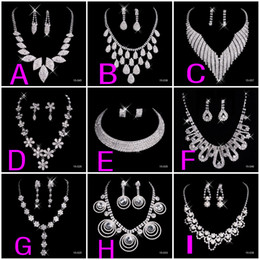 Wholesale New Crystal Silver Rhinestone Necklace Earrings Jewelry Sets Girl and Women Prom Cocktail Homecoming Dress Party Bridal Gowns Wedding