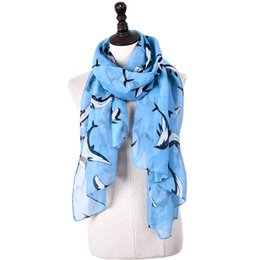 China Fashion Sea Dolphin Design Echarpe Viscose Leaping Dolphin Printed Shawls Animal Printing Scarves For Aquarium Souvenirs suppliers