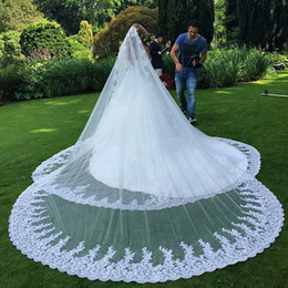 Veil white long online shopping - 2016 Luxury Long Veil Lace Appliques Edge delicate veil available in White And Ivory Long Veil