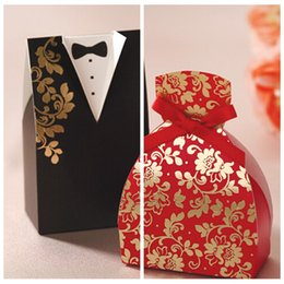 Wholesale Vente en gros Candy Boxes Bride Groom mariage nuptiale Favor Holders Noir Rouge Cadeau Box Gown Tuxedos Wedding Fournisseurs Bricolage Chocolat Package Pas cher