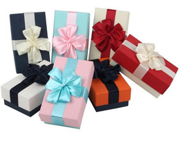 $enCountryForm.capitalKeyWord Canada - Top Grade Small Gift Box Candy Wrapping Box Kraft Paper Lace Bow Tie 7 Colors 15.5*9*6