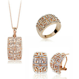 18k women jewelry set Canada - 18K Gold Plated Necklace and Earrings Rings Sets Full Rhinestone Alloy Jewelry Sets For Women Best Gift 1273