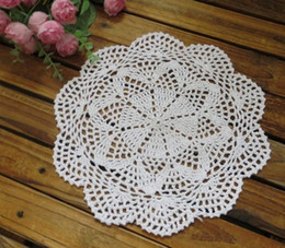 wholesale crochet mat Canada - Handmade Crocheted Doilies applique tableware Mat pad Round Vintage wedding home decoration 100PCs Coasters 25cm Beige White