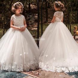 T shirT dress for Toddler online shopping - Beautiful Flower Girls Dresses For Weddings Lace Handmade D Appliques Short Sleeves Floor Length Toddler First Communication Dresses